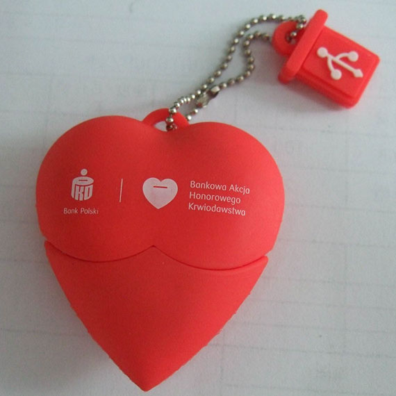 Customized PVC Red Heart Usb Flash Drive U698